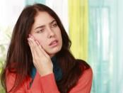Bei Kieferschmerzen kann es sich um eine Kiefergelenks-Arthrose handeln